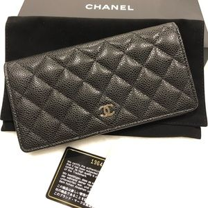 CHANEL. Long Black Caviar Wallet SHW